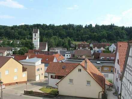 Tolle 3 Zimmer Maisonette-Wohnung in Aidlingen mit sonniger Aussicht