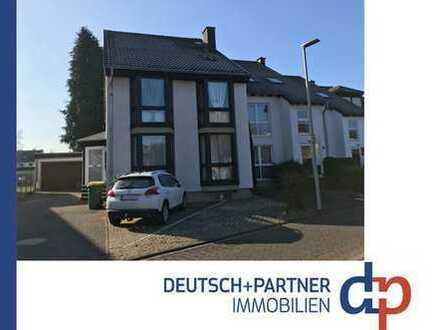Siegburg: Wohnen wie im Eigenheim! Großzügige 4 Zi. Wohnung in toller Lage mit Garten, Garage etc.