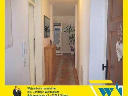 Hochwertig möblierte 2-Zimmer-Wohnung in historischen Räumen