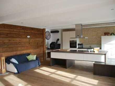 Gehobene Wohnung mit sechs Zimmern in Königsdorf