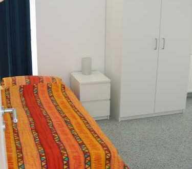 """Modernes WG-Haus/6 Zimmer - Auch unter """"Wohnen auf Zeit"""" IMMOSCOUT24 einzusehen"""