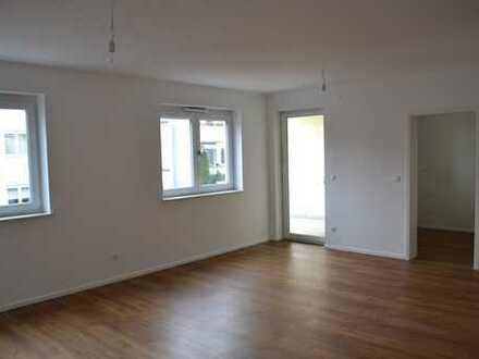 Zweitbezug!! Exklusive, neuwertige 3-Zimmer-Erdgeschosswohnung mit Balkon im Herzen von Neu-Isenburg