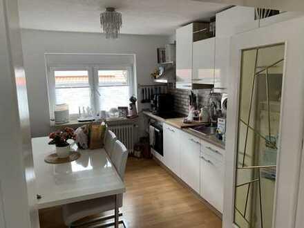 970 €, 107 m², 4 Zimmer