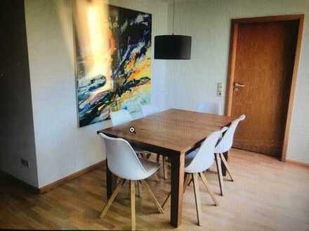 Hausen, 63,44qm plus SP und Keller: Wunderschöne, helle und sehr gut geschnittene Wohnung in Hausen