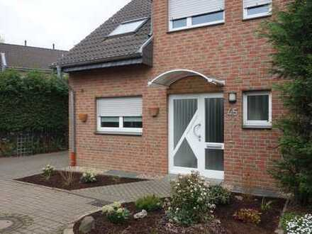 Schönes Haus mit fünf Zimmern in Krefeld, Oppum