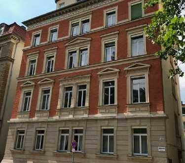 6-Zi.-Eigentums-Wohnung im 1. OG eines Denkmal-Hauses, in beliebter und gefragter Wohnlage