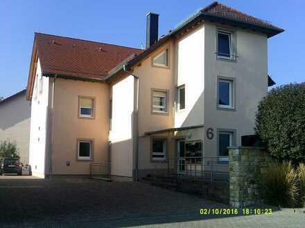 Gepflegte 2-Zimmer-Erdgeschosswohnung mit Balkon in Eppelsheim