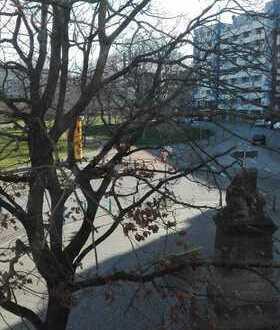 Großes, helles WG-Zimmer in 6er WG in zentraler Lage abzugeben (Bremerhaven)