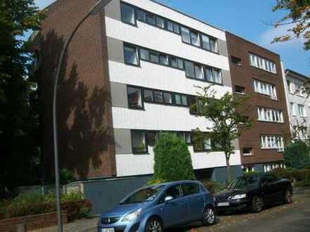 3 Zi. Wohnung 1 OG ruhige Anliegerstraße Vollbad/Gäste WC Küche Südlogia überdacht ab 1.2.
