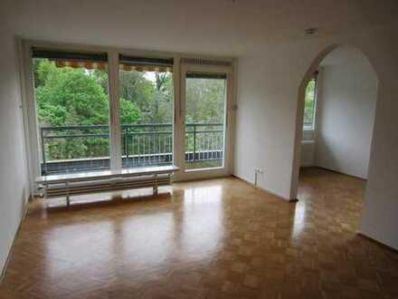 Heidelberg Emmertsgrund, schöne 3 Zi WHG, Balkon , 102qm, mit Garage in TG, Aufzug, Balkon