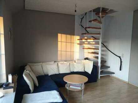 Freundliche 2-Zimmer-Maisonette-Wohnung mit Balkon und EBK in Herdecke