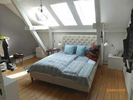 Renovierte 4-Zimmer-Wohnung mit Balkon und Einbauküche in Bremen