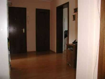 Erstbezug nach Sanierung: schöne 3-Zimmer-Wohnung mit Balkon in Düsseldorfer Landstraße, Duisburg