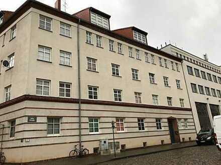 Vollvermietetes Eckgebäude mit 21 Wohnungen in Brandenburg an der Havel/ nahe Altstadt