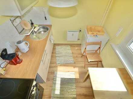 Sofort verfügbar! Frisch renovierte 1 Zimmerwohnung mit seperater Küche, EBK und auf Wunsch auch m