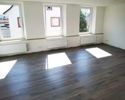 Erstbezug nach Sanierung: attraktive 3,5-Zimmer-Wohnung mit Balkon in Schopfheim