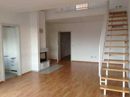 SW-Lage! 3 ZKBB Maisonette Wohnung mit Kamin und PKW Stellplatz