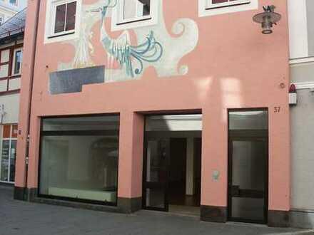 Ladenfläche im Mühlbachquartier (Fußgängerzone) in der Nähe zur Residenz