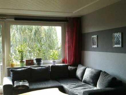 Schönes Zimmer in 2er WG mit gemeinsamen Wohnzimmer und Balkon