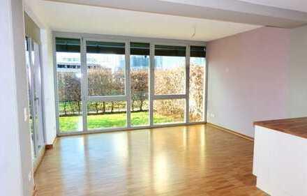 Neuwertige und sonnige 2-Zimmer-EG-Wohnung mit Garten und Einbauküche in Fürth Nähe Golfplatz