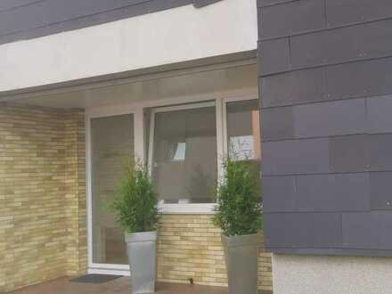 Vollständig renovierte 5-Zimmer-Erdgeschosswohnung mit Balkon in Gelsenkirchen
