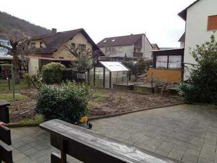 Dreifamilienhaus in ruhiger Seitenstrasse mit Garten und Carport - von Schlapp Immobilien
