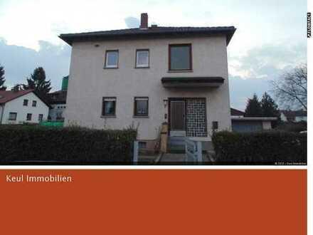 Schönes Zweifamilienhaus mit großem Grundstück
