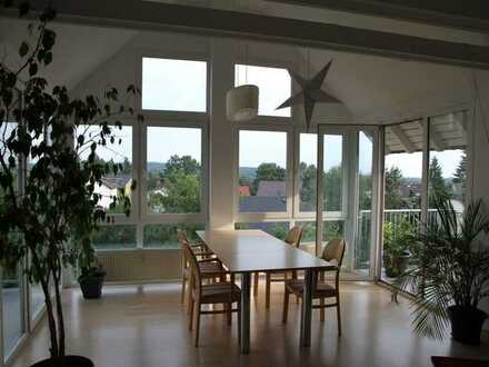 Traumhafte, helle und gemütliche Dachgeschosswohnung mit Flair und Fernblick