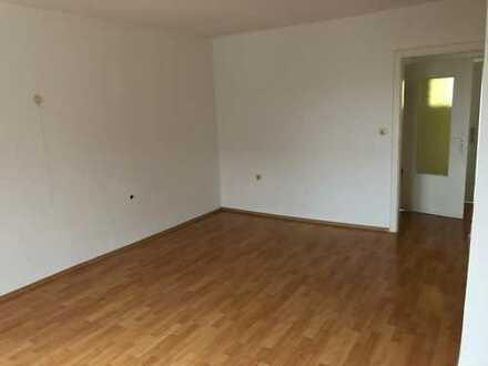 Schöne, helle, zwei Zimmer Wohnung, Dachgeschoss, in Solingen-Mitte 