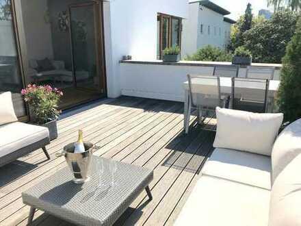 Luxus Neubau - möbliert - große Terrasse - top Lage & direkt in der Natur