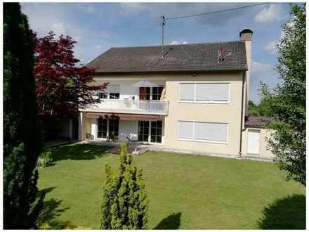Schönes, geräumiges und gepflegtes Haus mit großem Garten Reichertshofen (frei ab ca. Juli 2020)