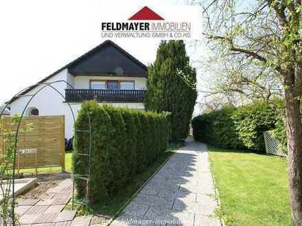 Renoviertes Zweifamilienhaus mit großem Grundstück in ruhiger Wohnlage!