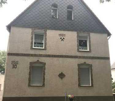 AGENTUR FÜR IMMOBILIEN - 3,5 Raumwohnung in einem Zweifamilienhaus !