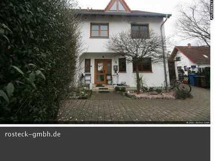 Junges Einfamilienhaus/REH in beliebter Lage in den Lüssen/Nordendsiedlung