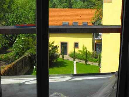 Schöne, großzügige vier Zimmer Wohnung in Rhein-Pfalz-Kreis, Dudenhofen