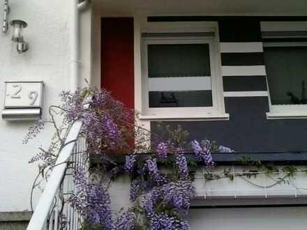 Schönes Haus mit fünf Zimmern, Kamin, Terrasse, Garten, in Siegen-Wittgenstein (Kreis), Siegen