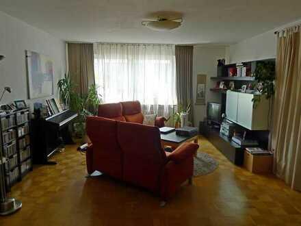 Helle, geräumige 5-Zimmer Whg in Zabo (138 qm)