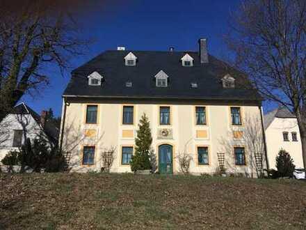 Romantischer 4-Seiten-Hof mit großen Grundstück in absoluter Alleinlage von Rübenau!