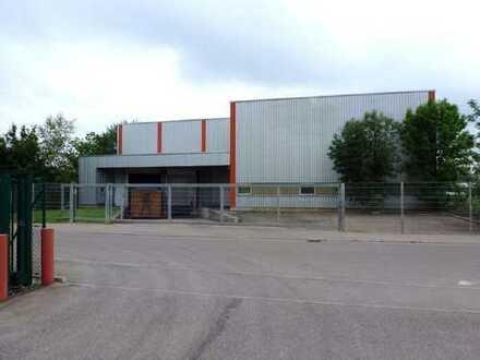 Lagerhalle 1.700 m² mit 2 Laderampen & Rolltoren