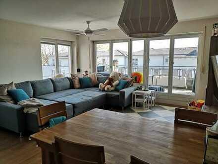 Exklusive, gepflegte 3,5-Zimmer-Wohnung mit Balkon in Erlangen-Zentrum