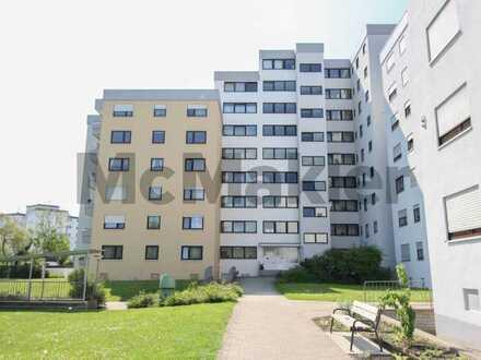 Wohnen im Kurort: Vermietete und barrierearme 2,5-Zimmer-Wohnung mit Südost-Loggia in ruhiger Lage