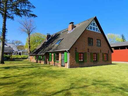 Historisches Landhaus mit Weide und Halle...
