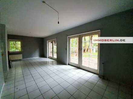 IMMOBERLIN.DE - Friesenhaus-Architektur! Feines Ein-/Zweifamilienhaus in wunderbarer Naturlage