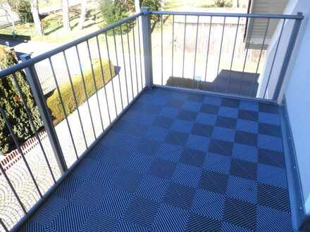 Hier wird neu saniert ! Wohnen über 2 Etagen ! 4 Zimmer Wohnung mit Balkon!