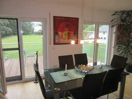 ..wie neu!! attraktive Dachgeschoß - Wohnung sucht neuen Mieter...!