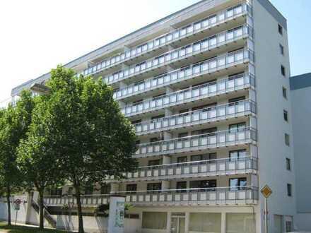 Schöne 3-Zimmer-Wohnung mit Einbauküche und großem Balkon in KL-West