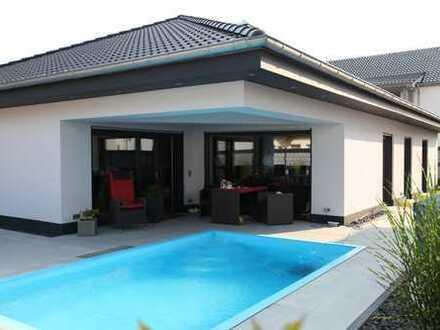 Luxusbungalow mit NEUER Photovoltaikanlage/Stromspeicher und Pool