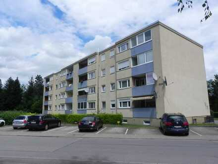 Mitten im Leben: 4 1/2 Zimmer Wohnung mit Loggia - ideal für eine Familie!