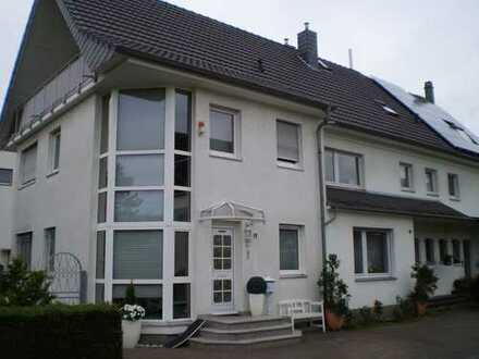 großzügige 5-Zimmer Maisonette-Wohnung in ruhiger, zentraler Lage in Köln-Buchheim