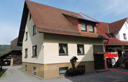 Doppelhaushälfte mit viel Platz und Doppelgarage